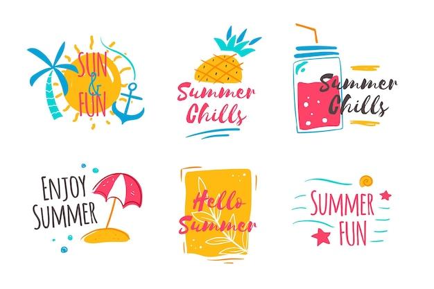 Insignias de verano dibujadas a mano