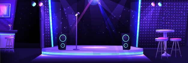Interior de club nocturno con escenario y micrófono para karaoke.