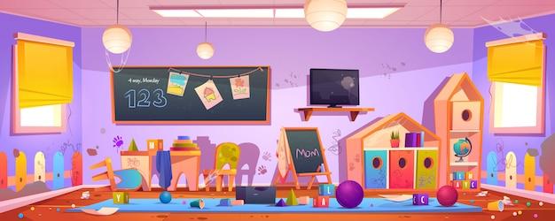 Interior desordenado de la habitación de los niños en el jardín de infantes