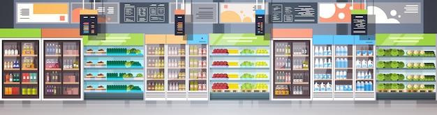 Interior de la tienda de comestibles o supermercado con estantes filas tienda minorista concepto de compras banner horizontal