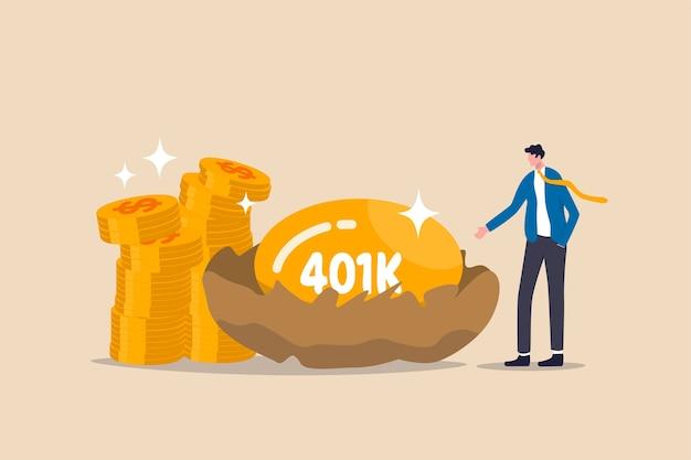 Inversión de jubilación 401k, fondo mutuo de aplazamiento de impuestos para el concepto de éxito financiero del hombre de salario, soporte de inversionista joven empresario feliz con rico huevo de oro con la palabra 401k y pila de monedas de dólar.
