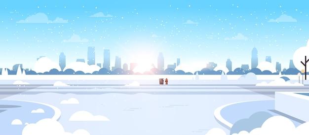 Invierno ciudad parque cubierto de nieve hermosa naturaleza sol paisaje urbano plano horizontal ilustración vectorial