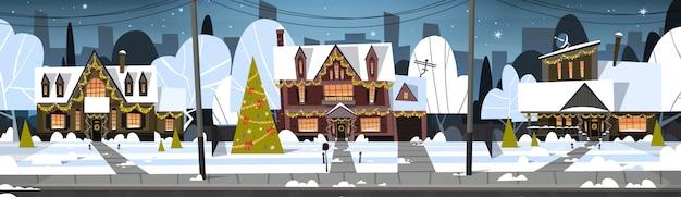 Invierno, suburbio, ciudad, vista, nieve, en, casas, con, adornado, pino, feliz navidad, y, feliz año nuevo, concepto