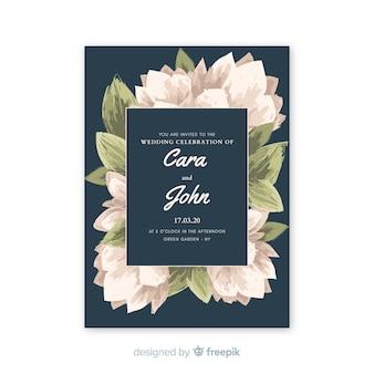 Invitación de boda azul hermosa con flores acuarelas