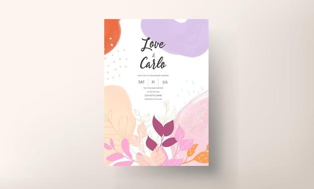 Invitación de boda colorida con adorno floral plano