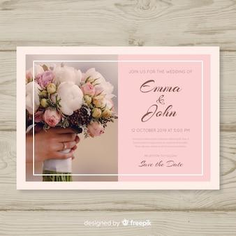 Invitación de boda elegante con foto.