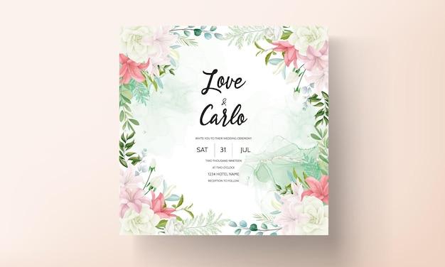 Invitación de boda elegante con hermosas flores y hojas de dibujo a mano