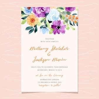 Invitación de boda con hermosa flor acuarela.
