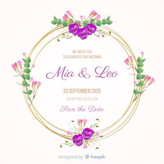 Invitación de boda con marco floral dorado.