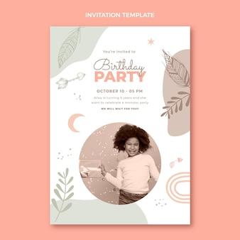 Invitación de cumpleaños boho dibujada a mano
