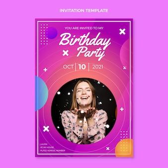 Invitación de cumpleaños colorido degradado