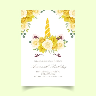 Invitación de cumpleaños floral para niños con lindo unicornio