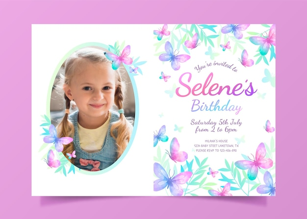 Invitación de cumpleaños de mariposa dibujada a mano con foto