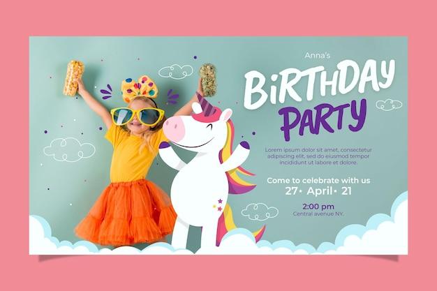 Invitación de cumpleaños de unicornio plano orgánico con foto