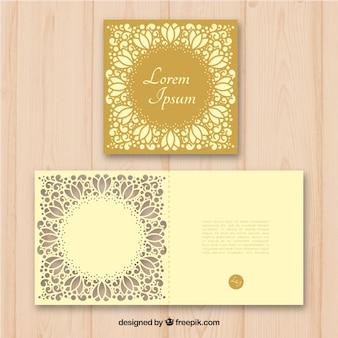 Invitación dorada de corte láser
