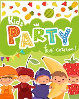 Invitación de fiesta infantil con set de niños divertidos en trajes de frutas