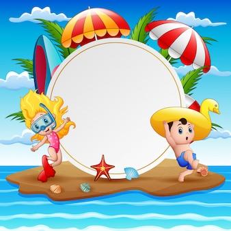 Isla de playa con niños y signo en blanco