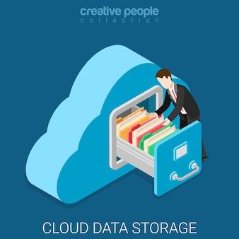 Isométrico plano de almacenamiento de datos en la nube