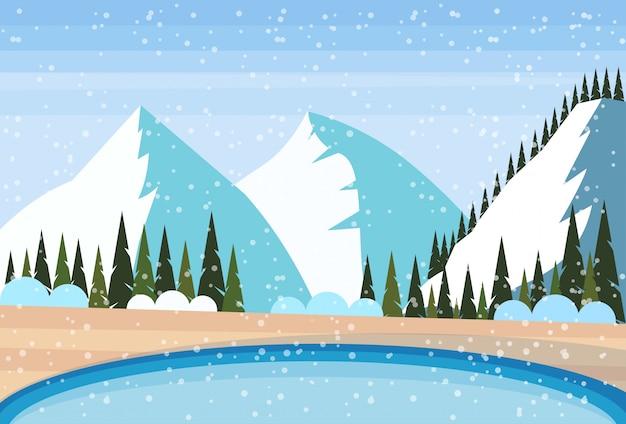 Jacuzzi termal al aire libre en las montañas