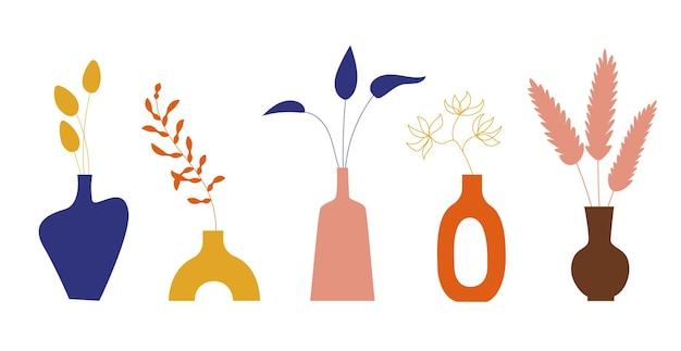 Jarrones de cerámica y hojas tropicales exóticas, flores, estilo boho. plantas botánicas de moda en macetas para el interior del hogar. dibujado a mano ilustración de doodle. ilustración vectorial. juego de jarra de barro.