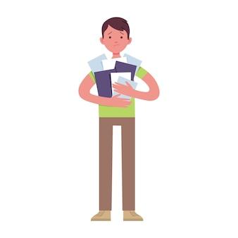 Un joven empresario sostiene una gran cantidad de papel con las manos porque está cansado del trabajo