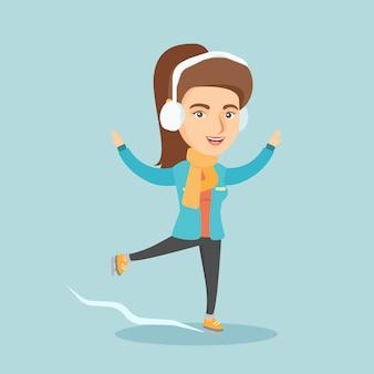 Joven mujer caucásica patinaje sobre hielo.