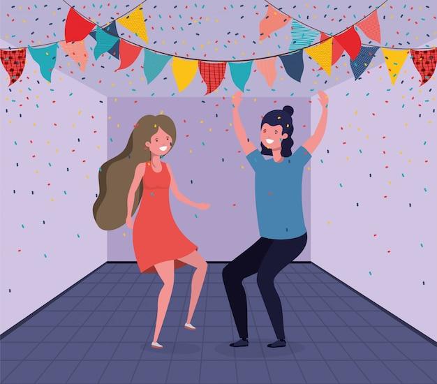 Joven pareja bailando en la habitación