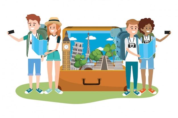 Jóvenes amigos turistas
