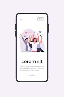 Jóvenes felices tomando fotos a través de la ilustración de vector plano de teléfono móvil. alegre grupo de personajes divirtiéndose y posando para la foto. concepto de amistad y tecnología digital