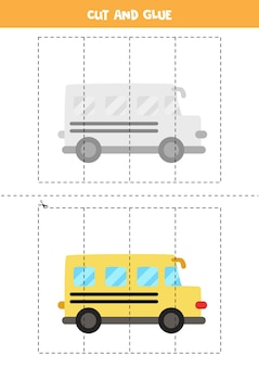 Juego de cortar y pegar para niños con autobús escolar de dibujos animados. práctica de corte para preescolares.