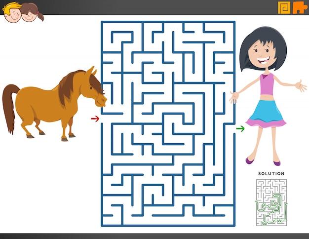 Juego de laberinto con niña de dibujos animados y caballo pony