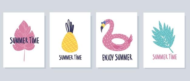 Juego de tarjetas de verano de cuatro piezas. sobre un fondo blanco en estilo de dibujos animados.