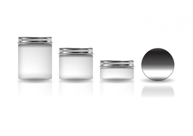 Juego de tarros redondos cosméticos blancos de diferentes tamaños con tapa plateada para productos de belleza o saludables.
