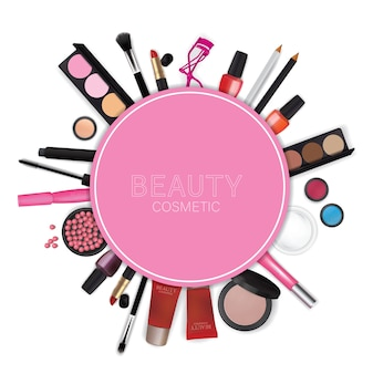 Juegos de cosméticos en el fondo blanco