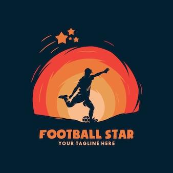 Jugador de fútbol en logo de acción