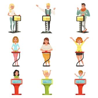 Jugadores respondiendo preguntas de pie en el stand con botones ilustraciones sobre un fondo blanco.
