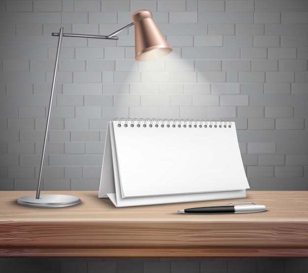 Lámpara y pluma de calendario de escritorio de papel espiral en blanco