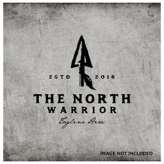 Lanza de punta de flecha nativa rústica retro vintage para diseño de logotipo arrow hunting hipster