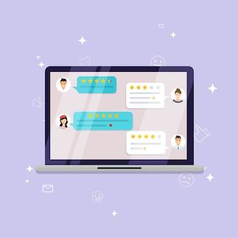 Laptop con calificación de revisión. reseñas de estrellas con buena y mala tasa y texto, concepto de mensajes testimoniales, notificaciones, comentarios.