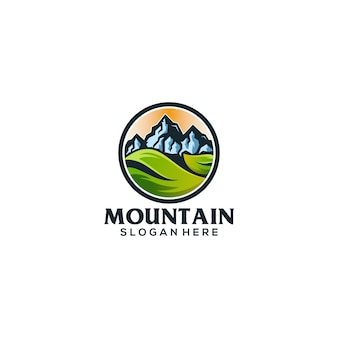 Lema del logo de montaña aquí