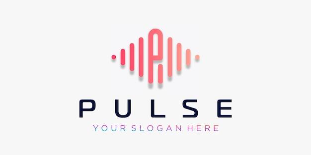 Letra p con diseño de logotipo de pulso. elemento de pulso plantilla de logotipo de música electrónica, ecualizador, tienda, música de dj, discoteca, discoteca. concepto de logotipo de onda de audio, temática de tecnología multimedia, forma abstracta.