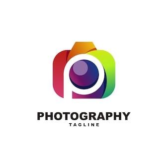 Letra p con fotografía logo premium