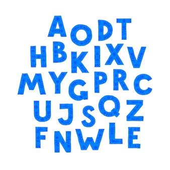 Letras azules en orden aleatorio.
