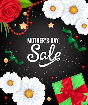 Letras de venta de día de madre con guirnaldas, flores y regalos. publicidad de venta de dia de las madres