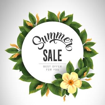 Letras de venta de verano en círculo con linda flor y hojas. oferta o publicidad de venta