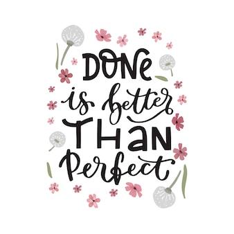 Letras positivas con papel tapiz de flores