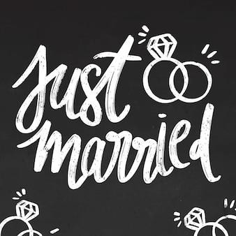 Letras de recién casados en pizarra