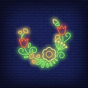 Letrero de neón de media corona de flores