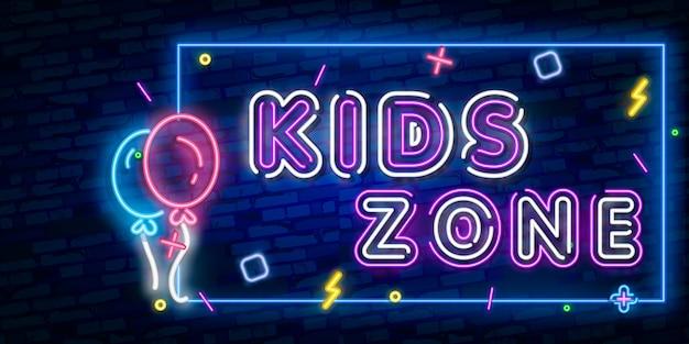 Letrero de neón de la plantilla de diseño de kids zone, estandarte de luz, letrero de neón, publicidad nocturna brillante, inscripción de luz.