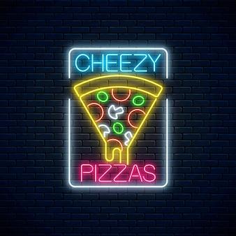 Letrero de neón de rebanada de pizza con queso goteando.